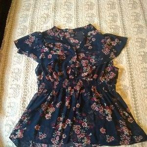 Torrid sheer floral print popover short sleeve top